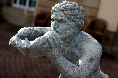 bad nenndorf  kurpark  statue
