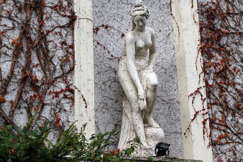 baden baden,statula,menas,kultūra,baden württemberg,residenzstadt,miestas,figūra,moteris,plikas,moterų diena,festivalis,šventė,moteriškumas,drabužis,tarptautinis