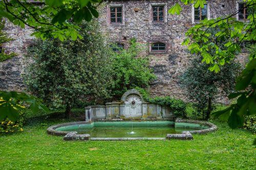 baden baden,pilis,nauja pilis,fontanas,vandens žaidimai,parkas,kilnus,baden württemberg