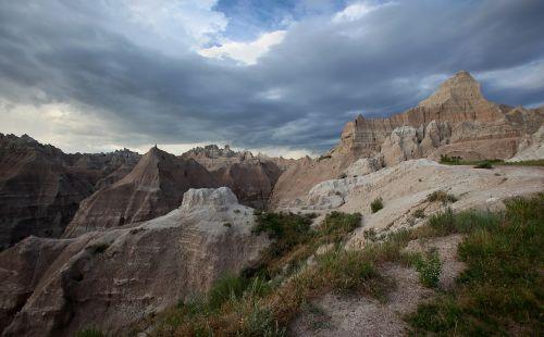 badlands south dakota landscape