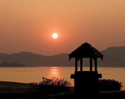 bagan sunset meditation