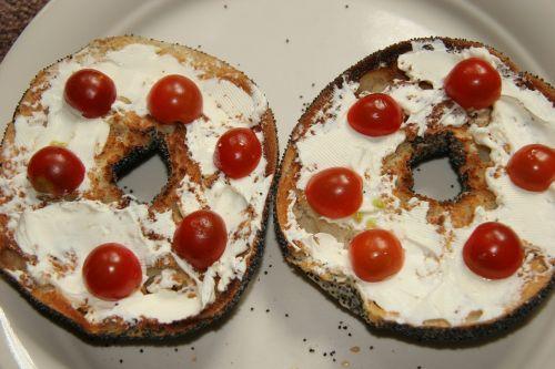 bagel cream cheese cherry tomatoes