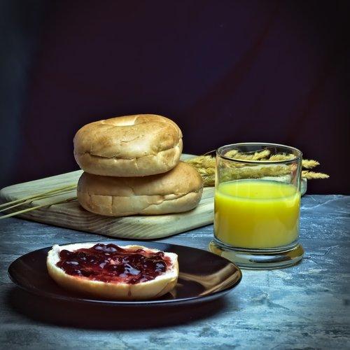 bagel  jelly  juice