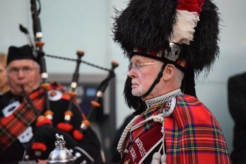 bagpipes musicians scotland