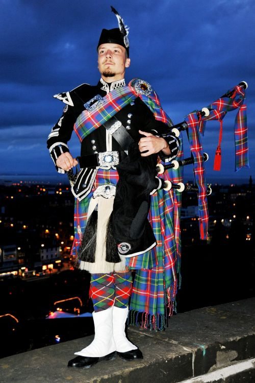 bagpipes man traditionally