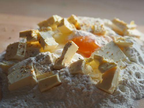 bake dough egg