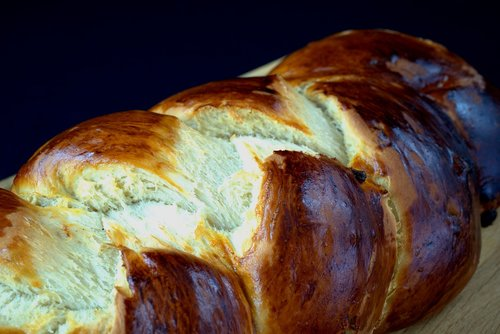 bake  hefekranz  baked goods