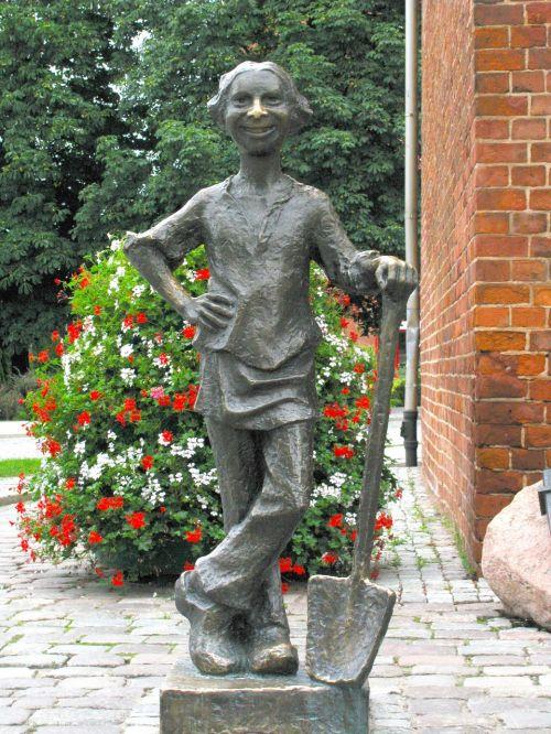 baker history sculpture
