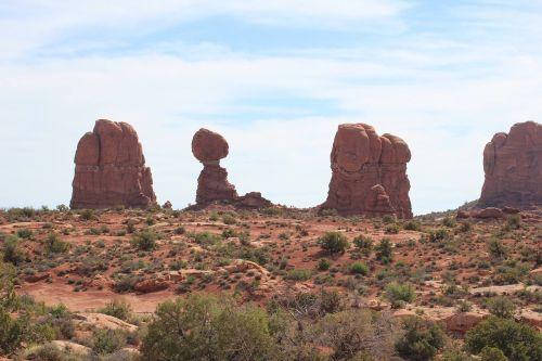 la sal mountains balance rock arches national park