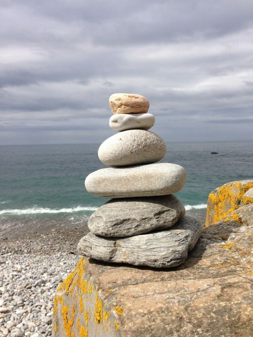 balance meditate stone