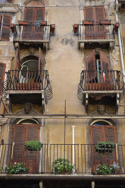 balconies,balcony,italy,verona,typical italian,flower boxes,italian street