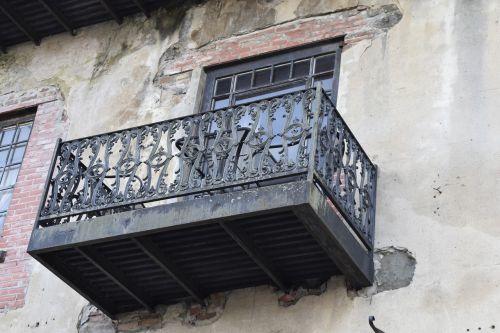 balcony savannah metalwork