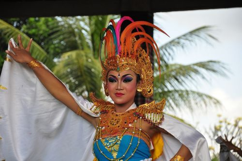 bali dancer traditionally