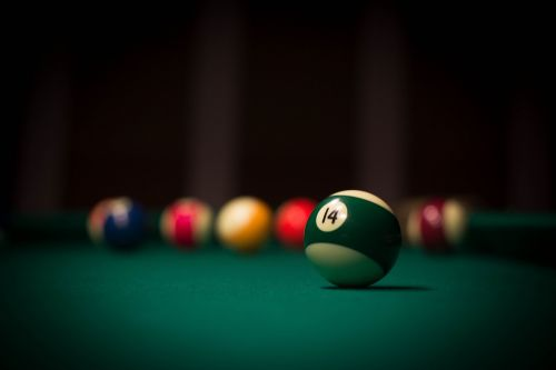 ball cue pool table
