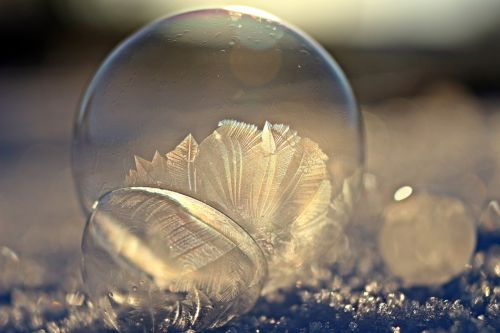 ball ice crystal bubble