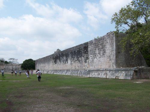 ball court mexico chichen itza