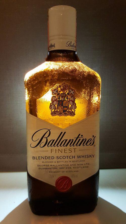 ballantine's scotch whiskey finest whiskey