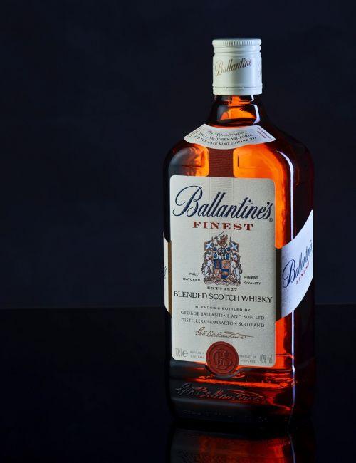 ballantines glass alcohol