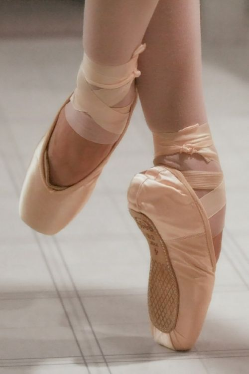 ballet ballerina pointe shoes