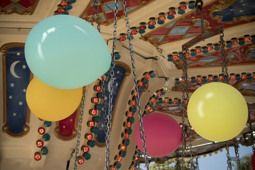 balloon  kettenkarusell  folk festival