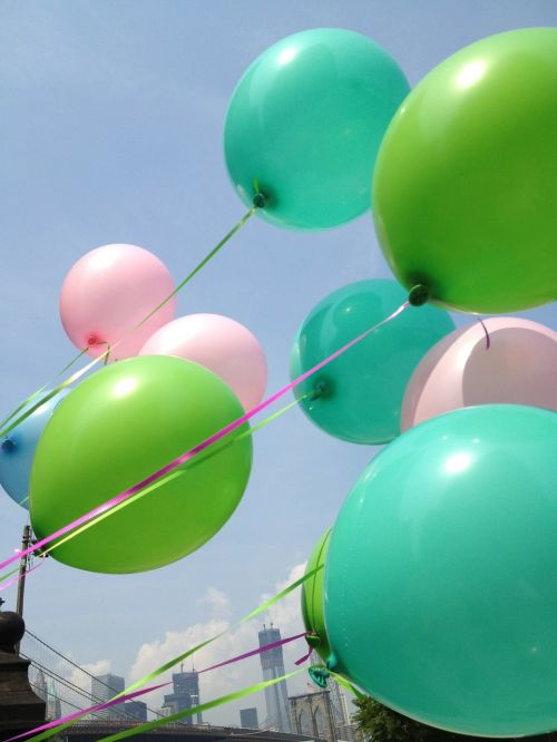 balloons sky brooklyn