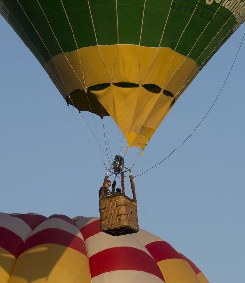 balloons games balloon races