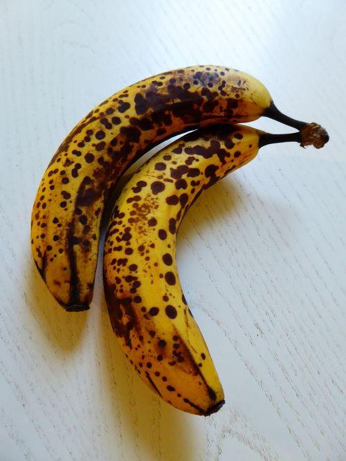 bananas yellow brown