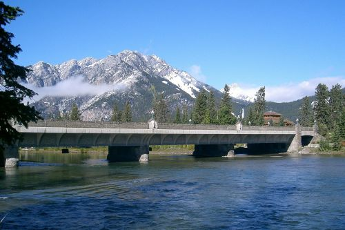 Banfo nacionalinis parkas,Kanada,banff,Nacionalinis parkas,gamta,Alberta,ežeras,miškai,dangus,kalnai,tiltas