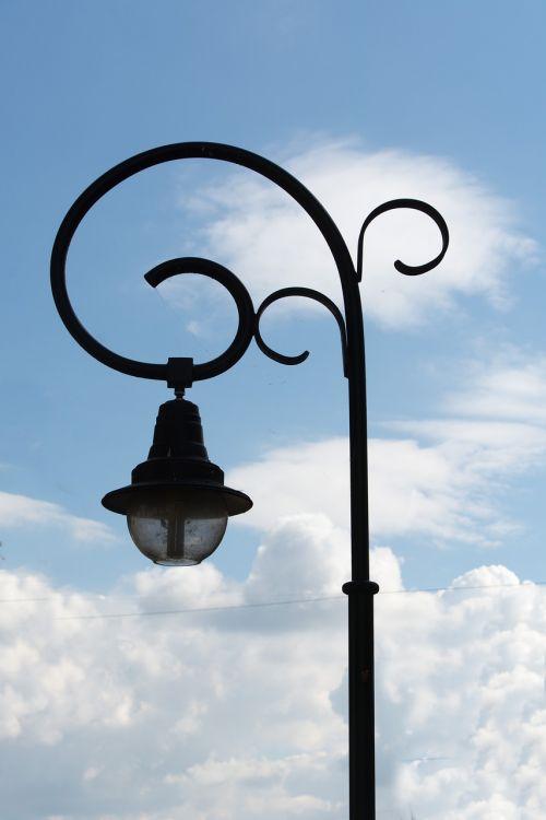 bánfihunyad lamp body pylon