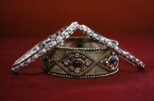 bangle diamonds bracelet