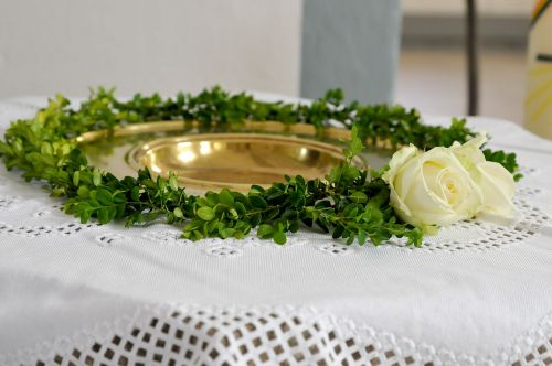 baptismal font boxwood white rose