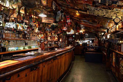 bar coffee a pub