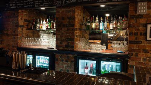bar drinks alcohol