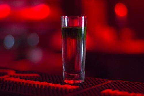 bar alcohol glass