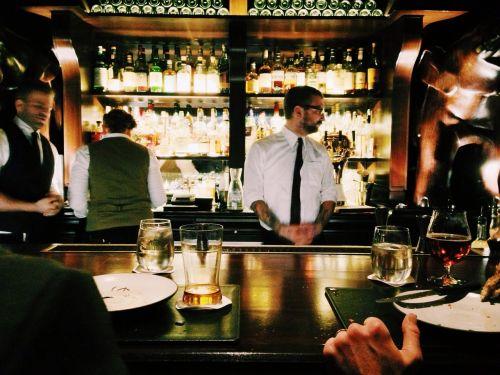 bar pub drinks