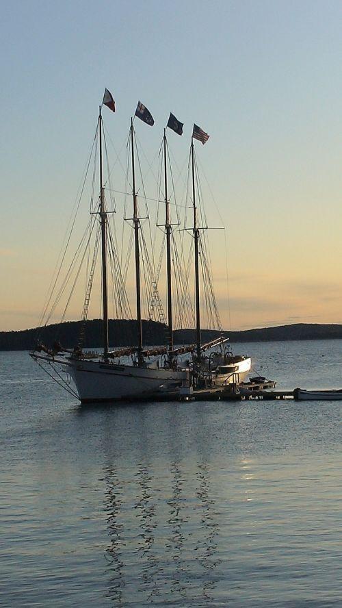 bar harbour maine sailing boat