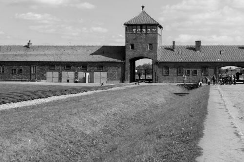 barak poland concentration camp