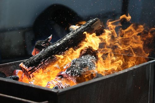 barbecue fire trunks