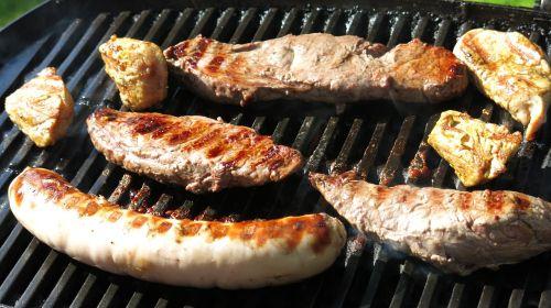 barbecue bratwurst grill