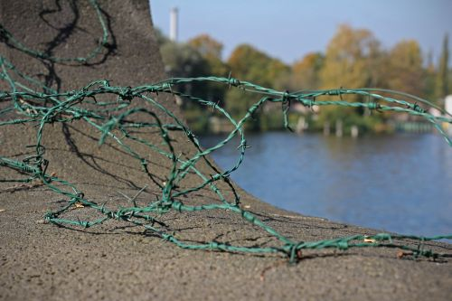barbed wire wire metal