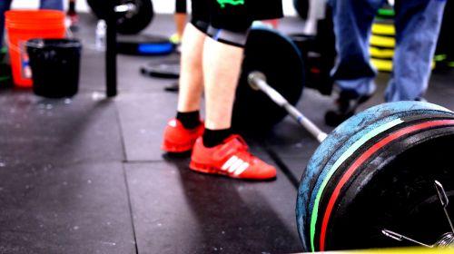 barbell crossfit lifting