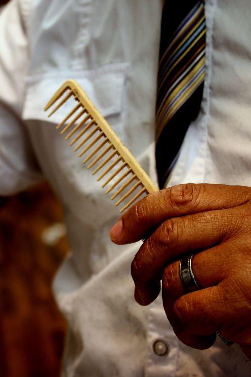 barber comb salon