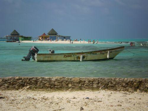 barca island andres