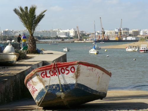 barca grounding port