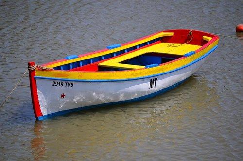 barca  water  sea