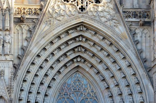 barcelona cathedral places of interest