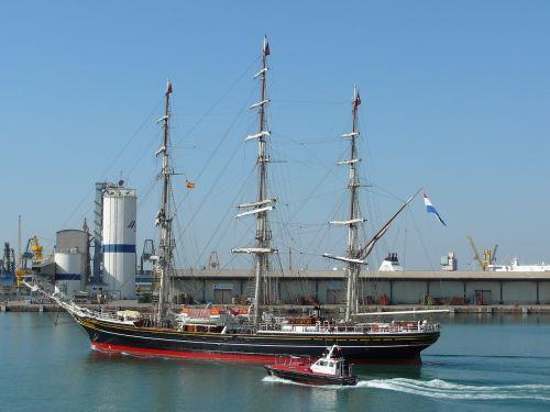 barcelona spain port