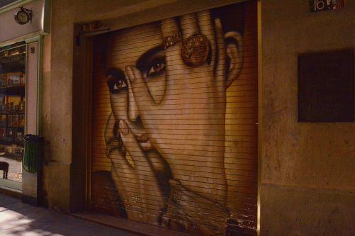 barcelona murals street