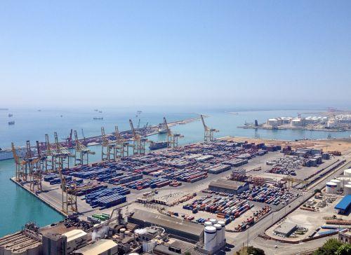 barcelona port freight harbor