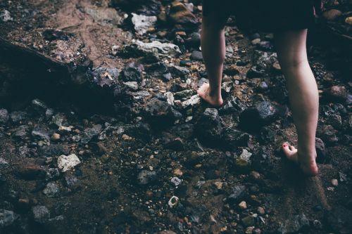 barefoot rocks careful